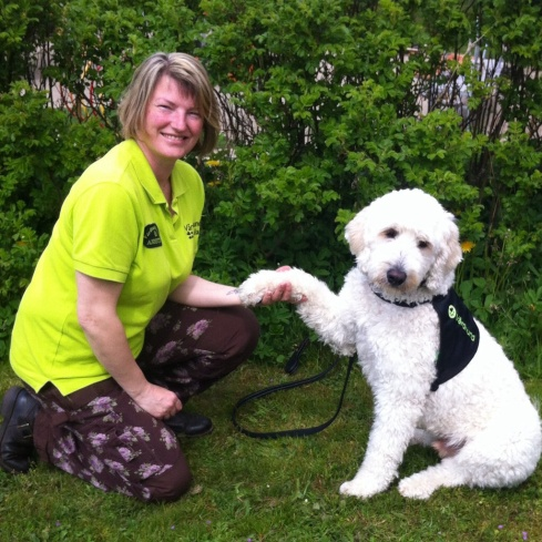 Vårdhundteamet Charlie och Annette