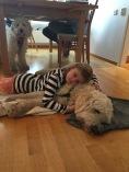 Linnea och Charlie slappar lite