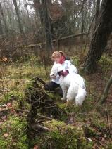 Saga har letat upp Linnea i skogen.