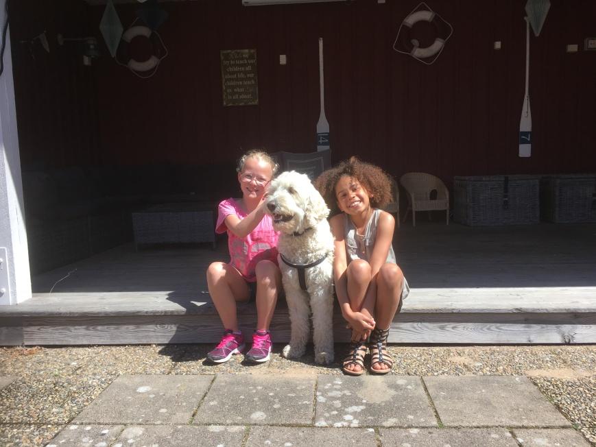 Clara, Charlie och Tindy
