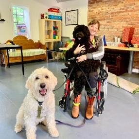 Jag fick jobba på Vårdhundskolan en dag, Charlie och Ellen var med.
